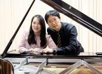 Bild zu Vier Hände, Zwei Welten - Vierhändige Klaviermusik